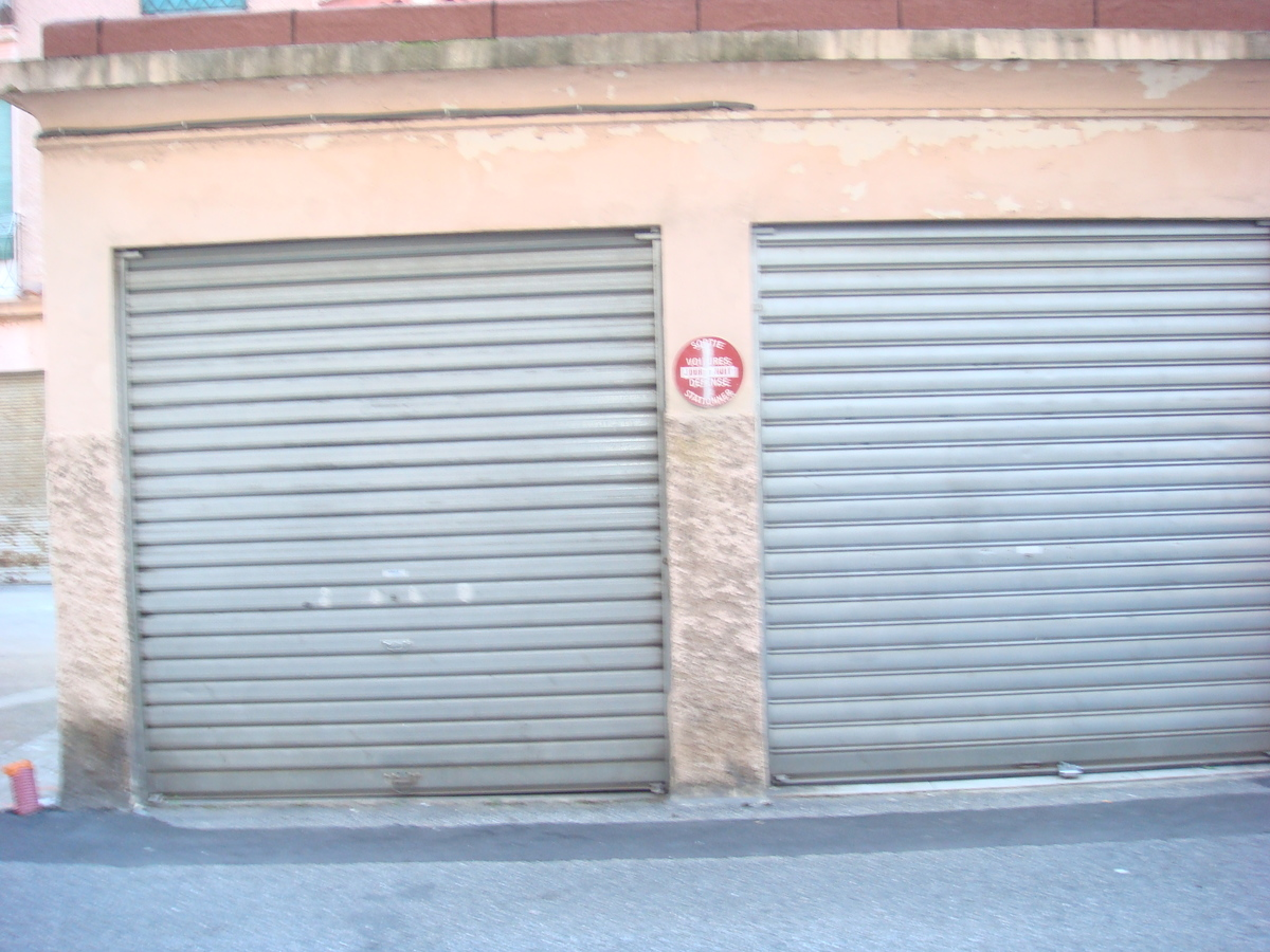 Parking extérieur - Nice